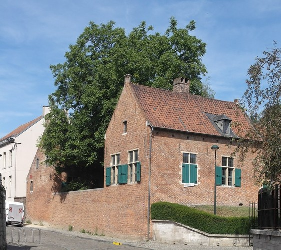 Begijnhof van Anderlecht. Museum van volkskunst en religieuze geschiedenis