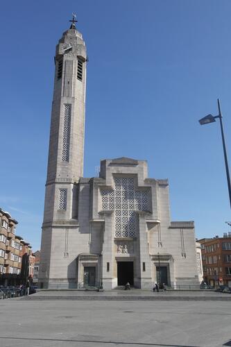 Parvis Saint-Jean-Baptiste, église Saint-Jean-Baptiste, 2015