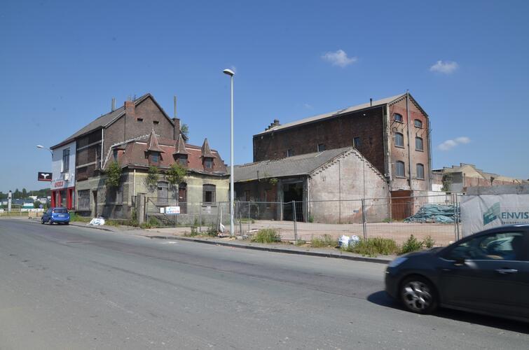Chaussée de Buda 96, 98, 100 et les deux bâtiments de fabrique