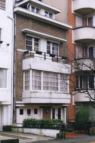 Avenue Père Damien 5, 2002