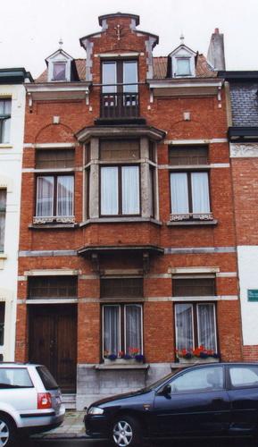 Rue Père Eudore Devroye 195, 2002