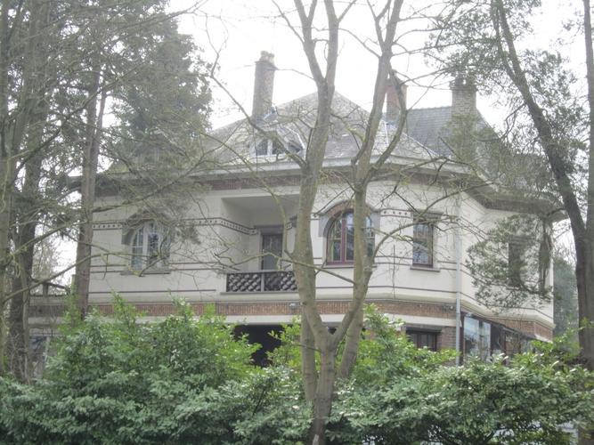 Avenue Delleur 10, 12, 2015