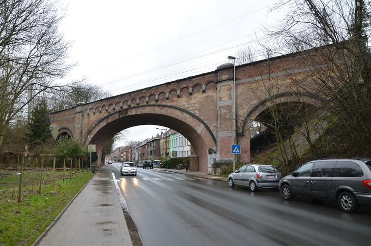 Chaussée de Saint-Job, Pont de chemin de fer