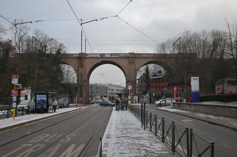Rue de Stalle, pont de chemin de fer