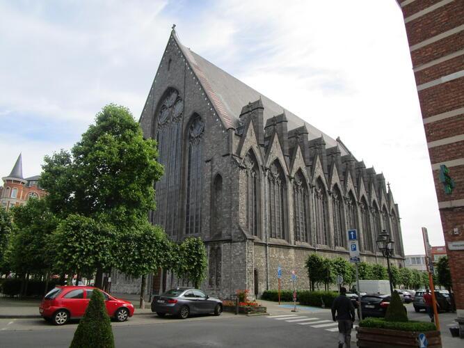 Parvis Saint-Henri, église Saint-Henri, 2015