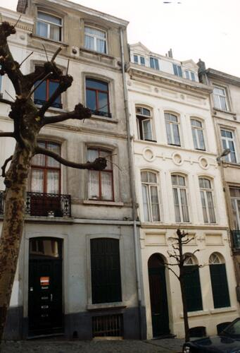 Rue de l'Ascension, à droite le no 20 (photo 1993-1995)