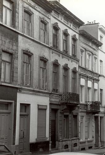 Chaletstraat, centraal nr. 8 (foto 1993-1995)