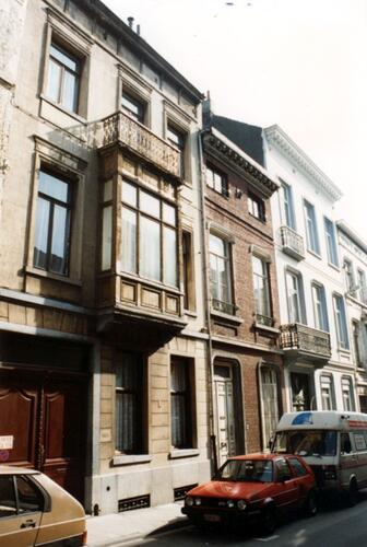 Rue Gillon, à gauche le no 69 (photo 1993-1995)