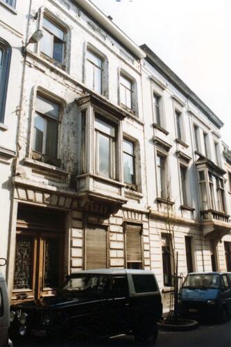 Gillonstraat, links nr 75 (foto 1993-1995)