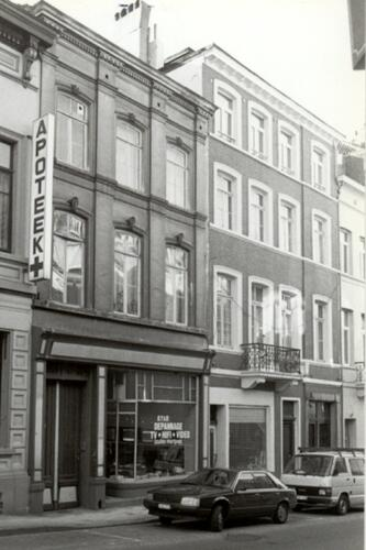 Chaussée de Louvain, à gauche le no 200 (photo 1993-1995)
