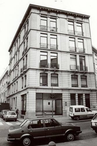 Rue de la Poste 2-4, à l'angle de la rue Botanique (photo 1993-1995)