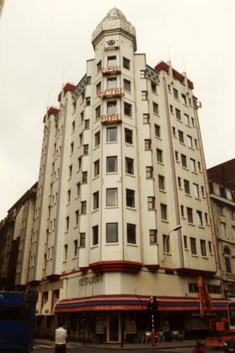Rue du Progrès 1 et rue des Croisades 2 et 4, New Hôtel Siru, anc. Nord Hôtel (photo 1993-1995)