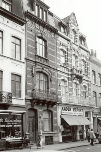 Rue Verbist, à gauche le no 15, à droite le no 17 (photo 1993-1995)