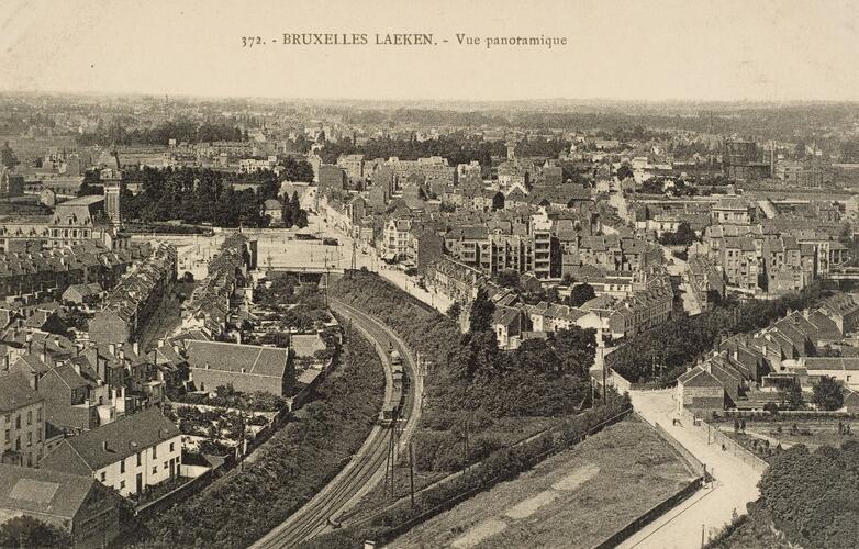 Panorama over Laken in de richting van het Émile Bockstaelplein (verz. Belfius Bank © RAB-GOB)