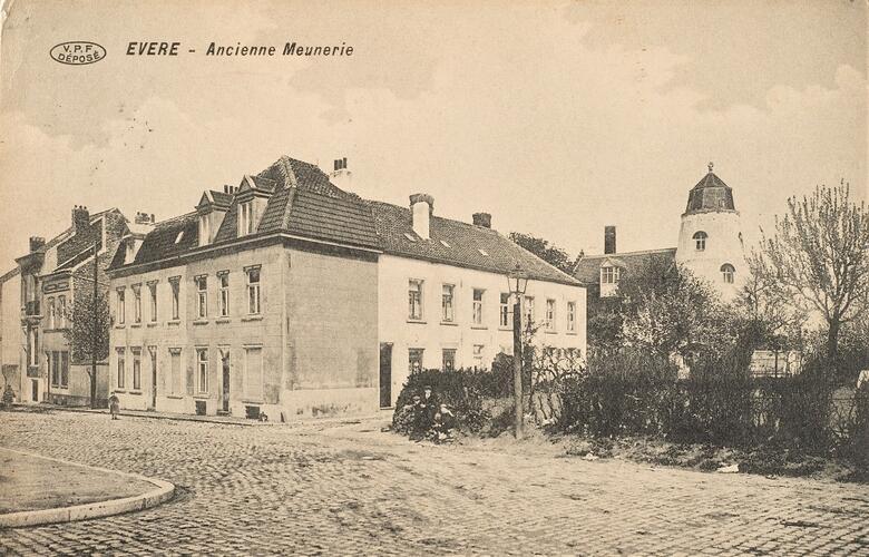 Voormalige maalderij vanuit de Lindestraat (Verzameling Belfius Bank-Académie royale de Belgique © ARB – urban.brussels, DE34_045)