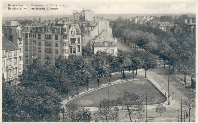 Le square Montgomery dans l'entre-deux-guerres. À gauche, l'entrée de l'avenue de Broqueville (ACWSP/SP, carte postale inv. 296)