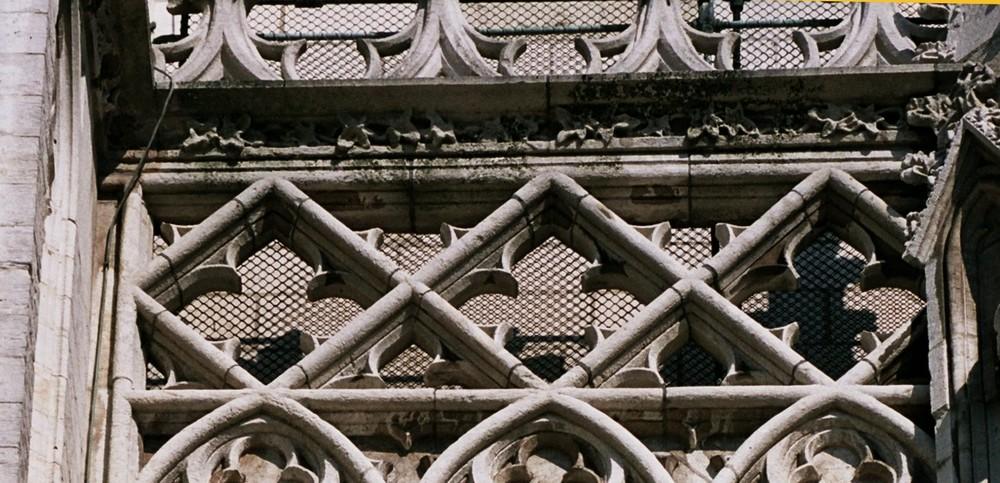 Garde-corps à claire-voie, cathédrale Saint-Michel, parvis Sainte-Gudule, Bruxelles, XIII-XVe siècle, 2005