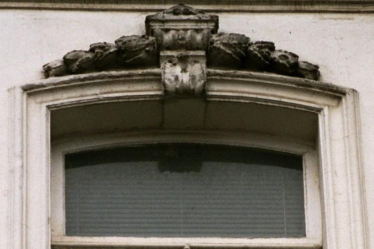 Arc surbaissé, rue Potagère 109, Saint-Josse-Ten-Noode, 1875, 2005