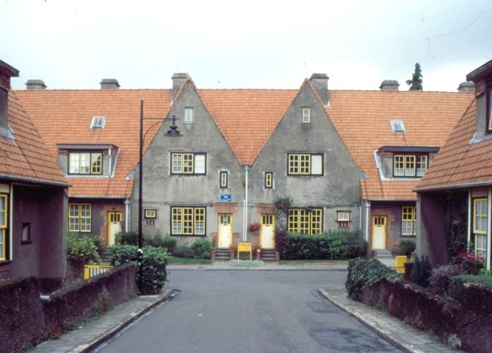 Twee puntgevels, tuinwijk Floréal, Funkiastraat 5 en 7, Watermaal-Bosvoorde, 1927, arch. Lucien François, foto Ch. Bastin & J. Evrard © MBHG