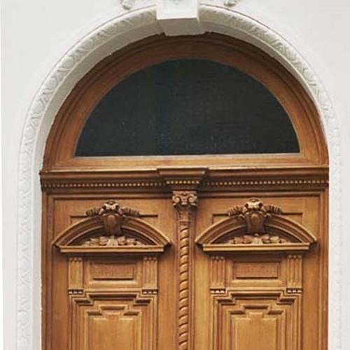 Rondboog boven een deur, Engelandstraat 53, Sint-Gillis, 1875, arch. Jules De Somme, 2004