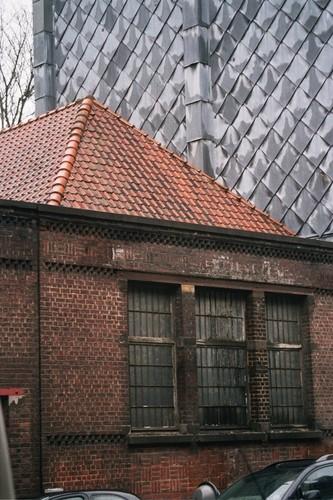 Bâtiment sous toiture à croupe, rue Américaine 28, Saint-Gilles, 1896, 2005