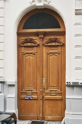 Porte cochère, rue d'Angleterre 53, Saint-Gilles, 1875, architecte Jean De Somme, 2004