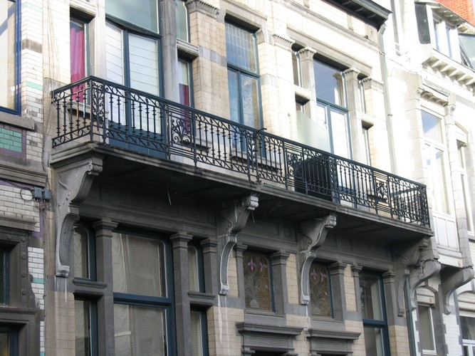 Doorlopend balkon, Afrikastraat 14, 16, Sint-Gillis, 1908 (foto s.d.)