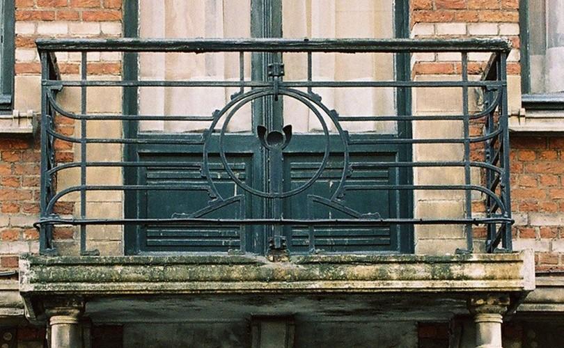 Garde-corps en fer forgé Art nouveau, rue Moris 52, Saint-Gilles, 1900, architecte Fritz Seeldrayers, s.d.