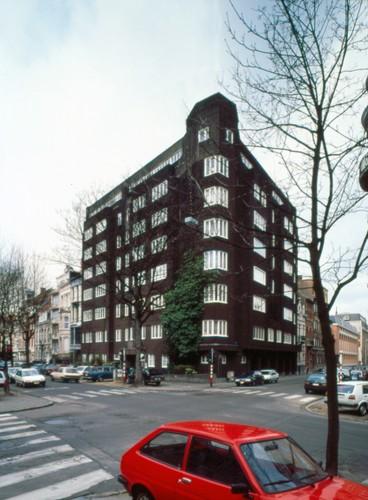 Amsterdamse School, appartementsgebouw, Molièrelaan 208-210, Elsene, 1930, arch. Joe Ramaekers, foto Ch. Bastin & J. Evrard © MBGH