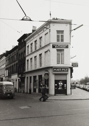 boulevard du Midi 6, 7, 8, angle rue des Foulons, 1980