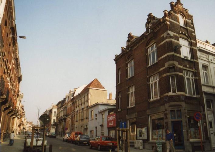 Rue d'Oultremont, vue depuis la rue Gérard vers rue de Linthout, 1994