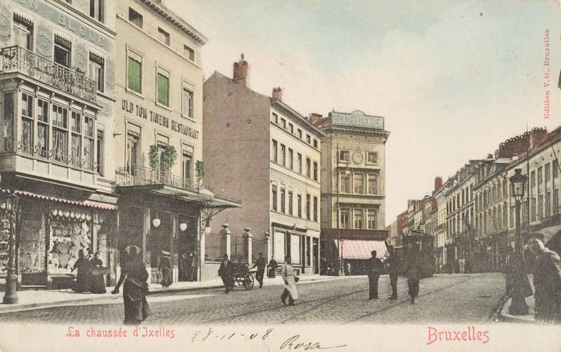 Croisement des chaussées de Wavre et d'Ixelles, vers 1910 , (Collection Dexia Banque).
