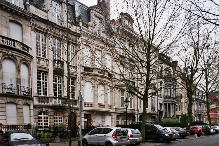 Avenue Molière, enfilade d'immeubles de style Beaux-Arts côté pair (Ixelles), 2007