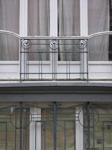 Rue Antoine Bréart 81, grille et garde-corps Art nouveau, 2004