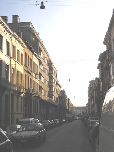 Rue Simonis, vue depuis la rue Defacqz, 2004