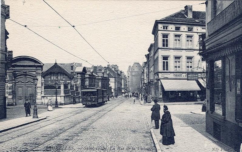Rue de la Victoire, carrefour des rues de l'Hôtel des Monnaies et du Métal (Collection de Dexia Banque, v. 1907)