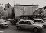 Keizerslaan, hoek Rollebeekstraat. Hoektoren, Anneessenstoren geheten ; Bowling Crosly en garage., 1980