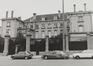 rue aux Laines 23. Hôtel de Mérode-Westerloo, façade place Poelaert., 1980