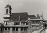 Rue des Minimes 62. Église Saints-Jean-et-Etienne aux Minimes, vue depuis la place Poelaert, 1980
