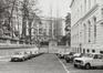 place Royale, impasse de Borgendael. Portiques et façades des immeubles bordant la place Royale. Portique de l'impasse du Borgendael ; Cour d'Arbitrage., 1981