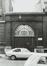 Rue des Petits Carmes 26 (20 à 34). Caserne Prince Albert, détail entrée, façades rue du Pépin, 1980