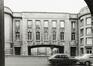 rue Ravenstein, Palais des Congrès, passage sous l'aile est, 1980
