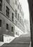 rue Ravenstein 3, anc. Hôtel de Clèves-Ravenstein, escalier vers la rue Terarken., 1980