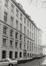 place Royale 7-8, impasse de Borgendael. Portiques et façades des immeubles bordant la place Royale? Portique de l'impasse du Borgendael ; Cour d'Arbitrage, façade latérale depuis l'impasse de Borgendael., 1981