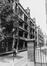 rue Blaes 174-198. Cité HellemansLes Anciennes Habitations, rue des Chaisiers vue depuis la rue Pieremans., 1980