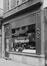 rue des Chapeliers 30, détail devanture, 1980