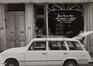 rue des Éperonniers 71-73. Ensemble de maisons traditionnelles et ancienne impasse du Duc de Savoie, détail devanture, 1980