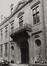 Grand-Place. Hôtel de Ville, détail entrée, rue de l'Amigo, 1980