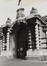 place du Jeu de Balle 50-79. Ancienne Caserne des Pompiers, détail entrée, 1980