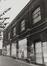 place du Jeu de Balle 50-79. Ancienne Caserne des Pompiers, façade rue des Renards, 1980